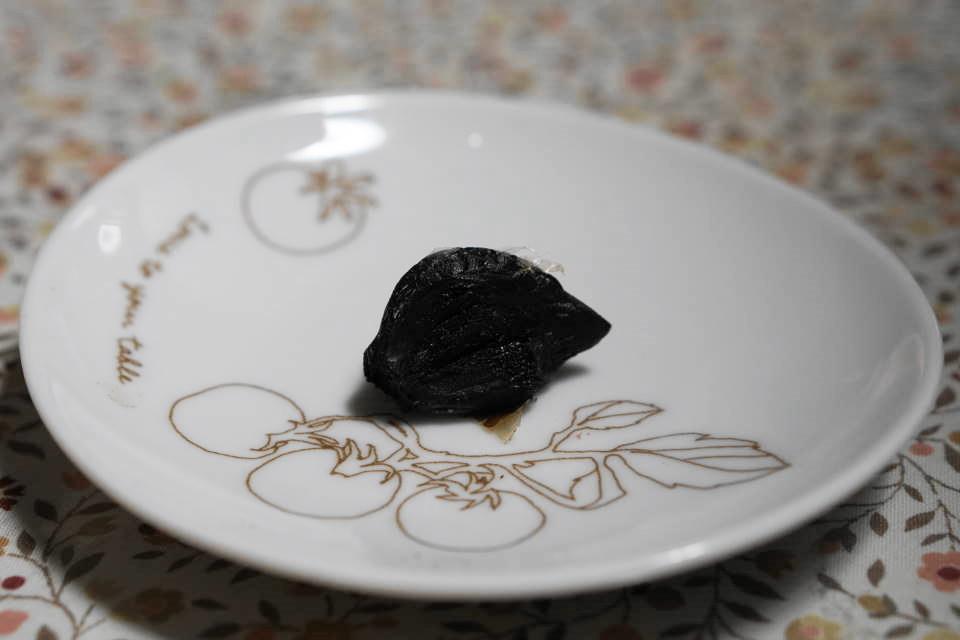 真っ黒な純黒にんにくです。